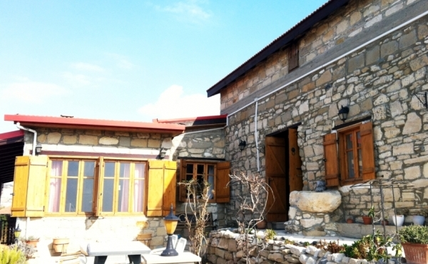 Traditional Stone built house for sale in Maroni Larnaca