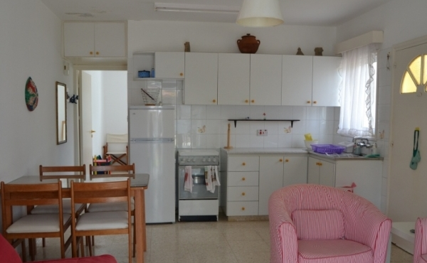 One bed ground floor apartment for sale in Pervolia