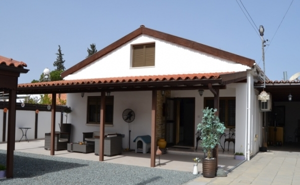 Bungalow for sale in Athienou Larnaca