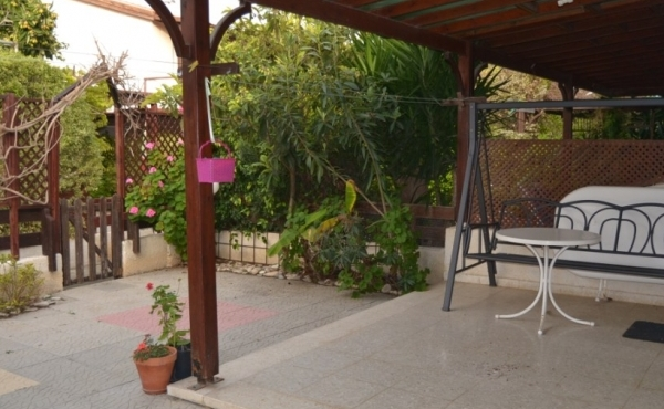 REDUCED - Two bed house for sale in Pervolia near the beach