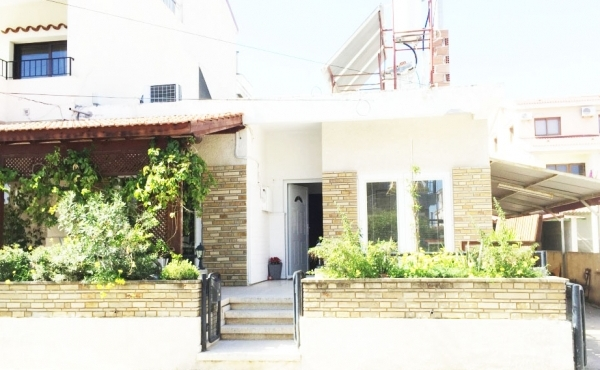 Bungalow for sale in Agios Nicolaos Larnaca