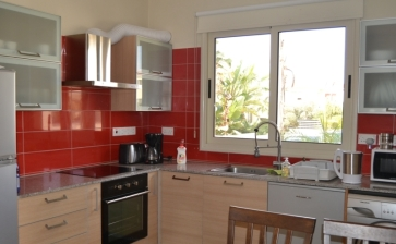 ML246, RENTED - Two bed villa with garden for rent in Pervolia