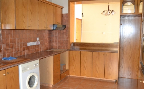 Two bed ground floor flat for sale in Drosia Larnaca