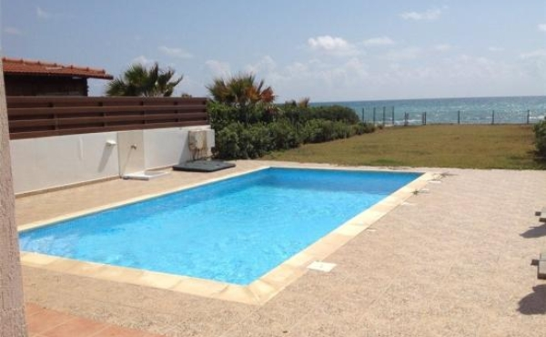 Beach houses for sale in Pervolia Larnaca