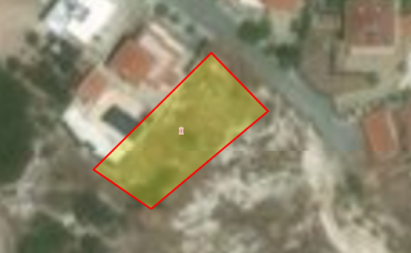 Large building plot for sale in Maroni
