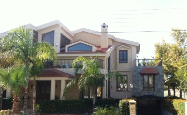Large luxury house for rent in Aradippou