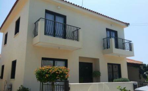 Three bed detached house for sale in Oroklini