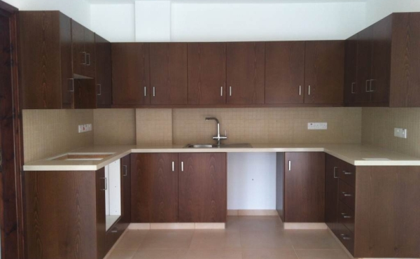 Ground floor apartment with garden for sale in Larnaca