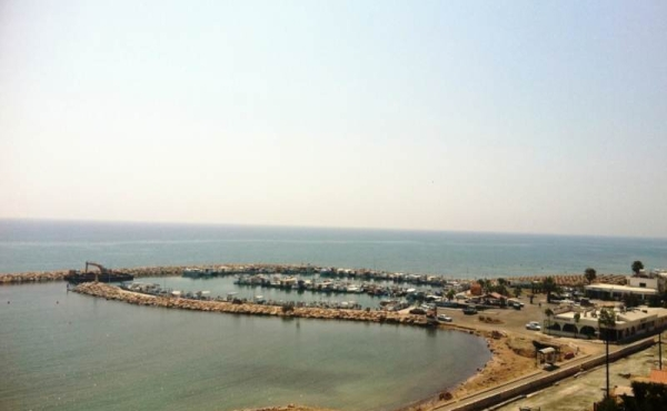 Large 3 bed apartment in Mackenzie Larnaca with amazing see views